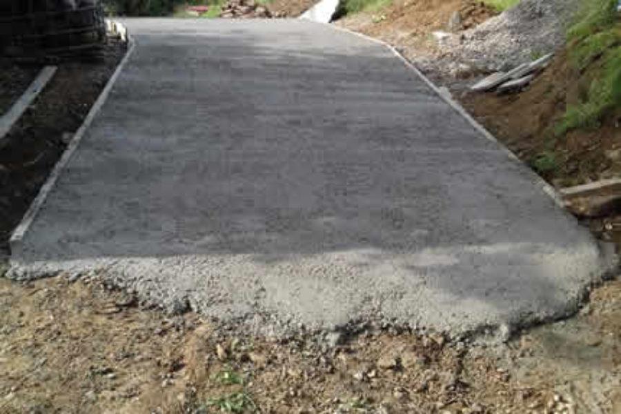 Arreglo de pista con excavadora y dumper en Astigarraga